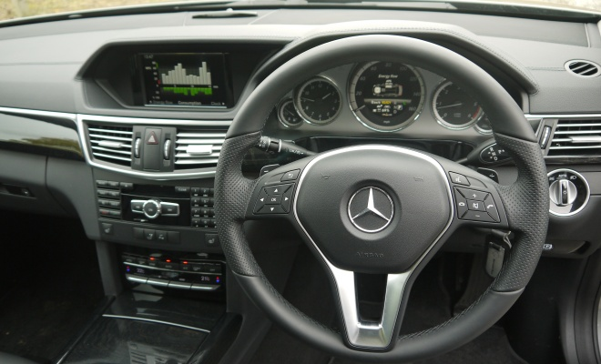 Mercedes-Benz E300 BlueTec Hybrid cockpit