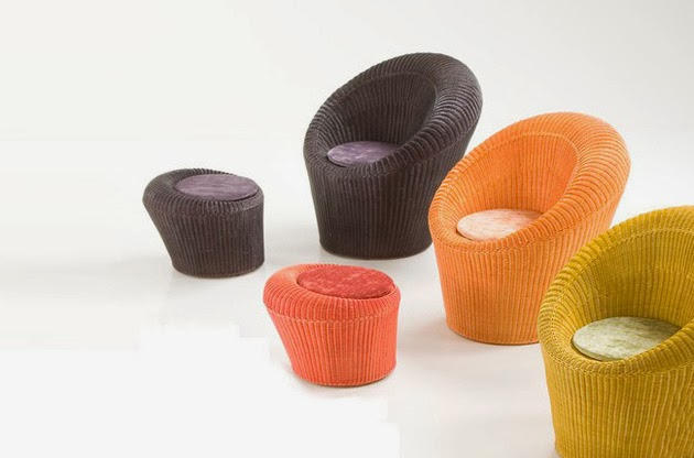 Model Sofa Kain Kecil Motif Warna-Warni