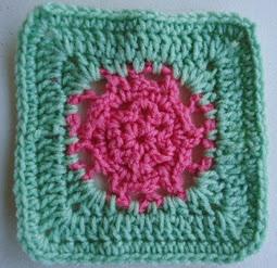 http://translate.googleusercontent.com/translate_c?depth=1&hl=es&rurl=translate.google.es&sl=en&tl=es&u=http://crochetincommon.blogspot.com.es/2012/06/common-flower-pattern-designed-by.html&usg=ALkJrhhAYh06WiK60v2f1nY1s2VqObQgxQ
