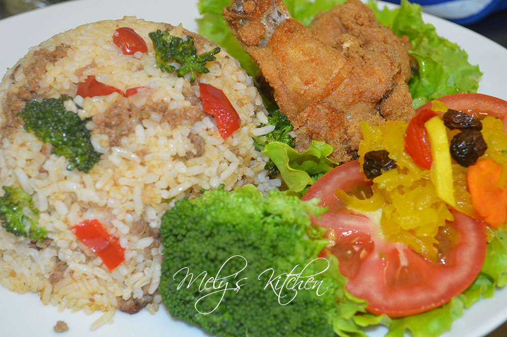 Fried Rice with Minced Beef and Broccoli - Mely's kitchen