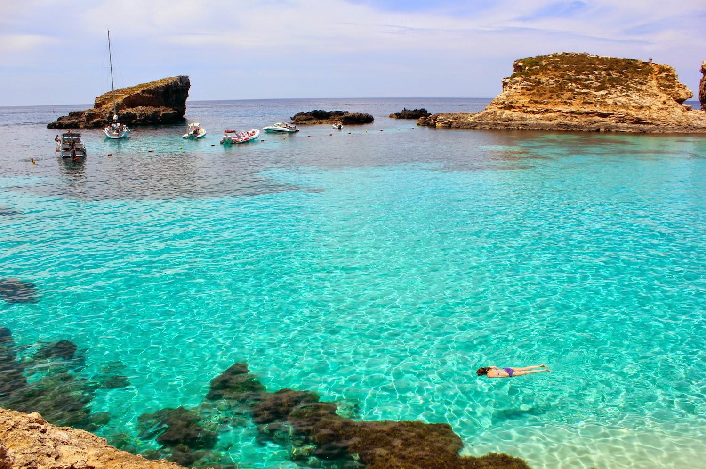 Comino, le acque azzurre della Blue Lagoon - foto di Elisa Chisana Hoshi