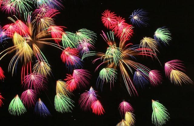 Shimmei Fireworks Festival in Ichikawamisato Town, Yamanashi Pref.