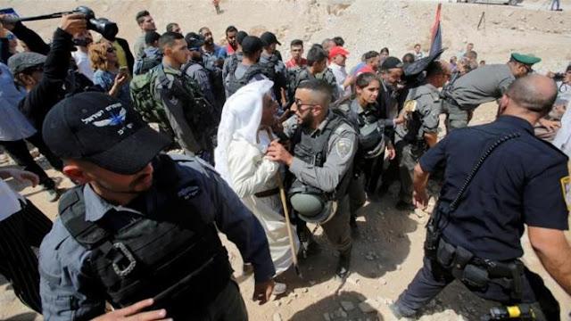 Penutupan Desa Khan al-Ahmar oleh Pasukan Israel