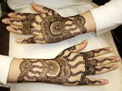 Ukiran Henna Di Tangan Untuk Anda Contoh