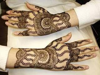 contoh ukiran inai simple,contoh henna simple,motif henna tangan sederhana,harga henna tangan pengantin,henna tangan terbaru,gambar henna pengantin,jual henna tangan,henna tangan cantik,
