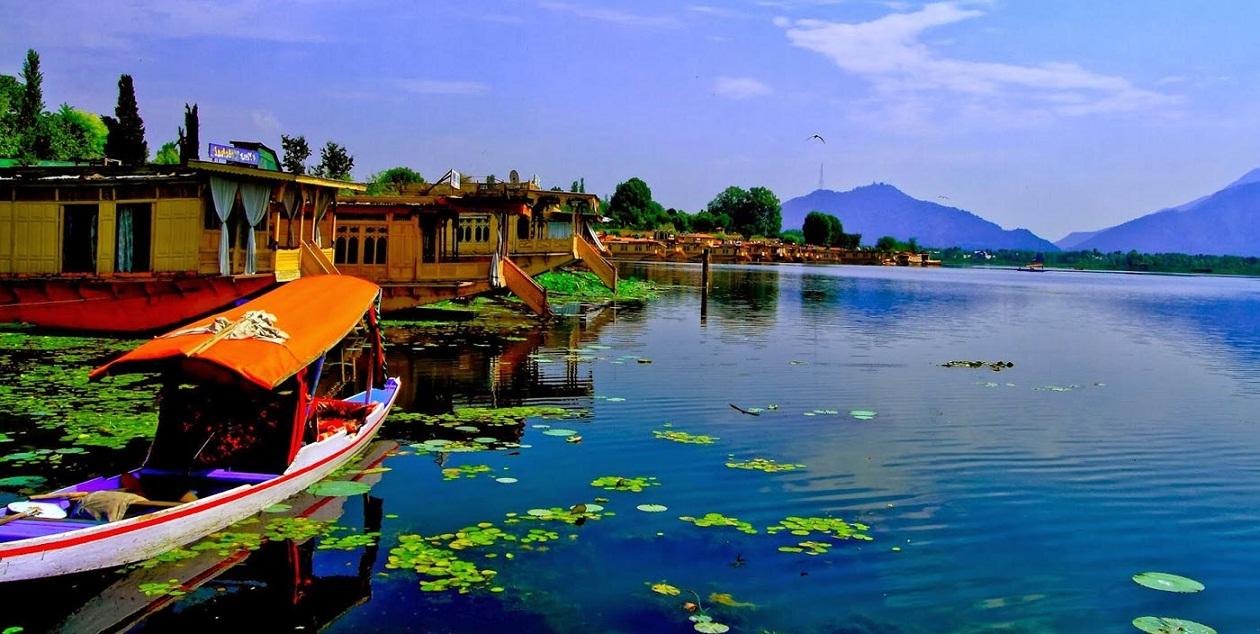 Honeymoon Places: Kashmir, India  For Honeymoon and