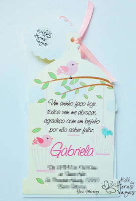 convite de aniversário infantil artesanal gaiola de passarinho jardim amarelo rosa branco bebê