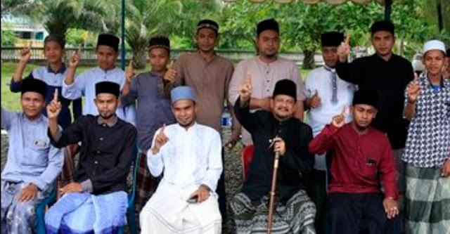 Bantah Tuduhan Jokowi Anti Islam, Mantan Imam Besar FPI Aceh Dukung Jokowi