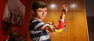 Ανδόρα: Ένας 18χρονος που γεννήθηκε χωρίς χέρι έφτιαξε ένα από Lego! (βίντεο)