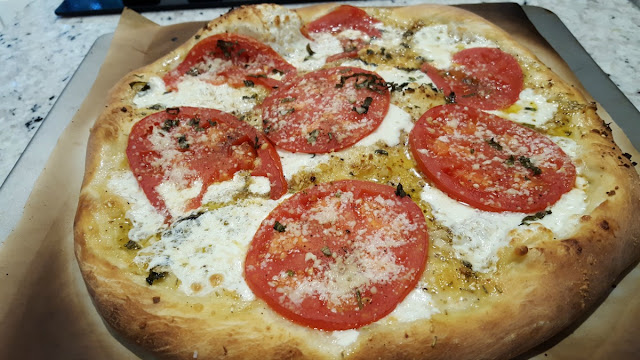Tomato and Mozzarella Pizza Ready to Eat