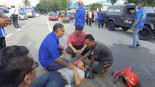 KM Melaka bantu mangsa kemalangan