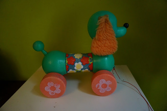 70s dog poodle push pull toy 1970s jouet années 70