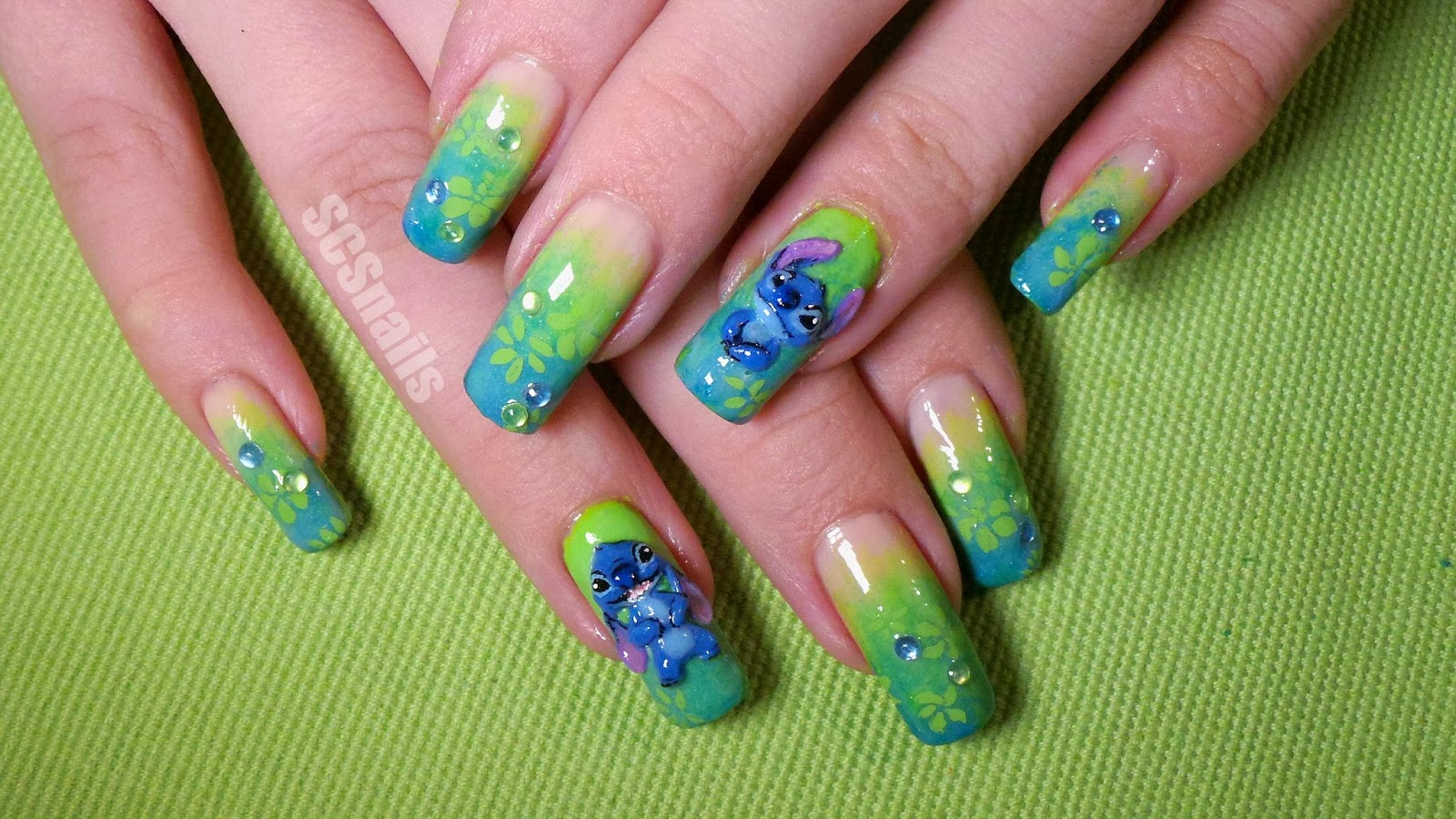 SCS nails: Stitch nail art
