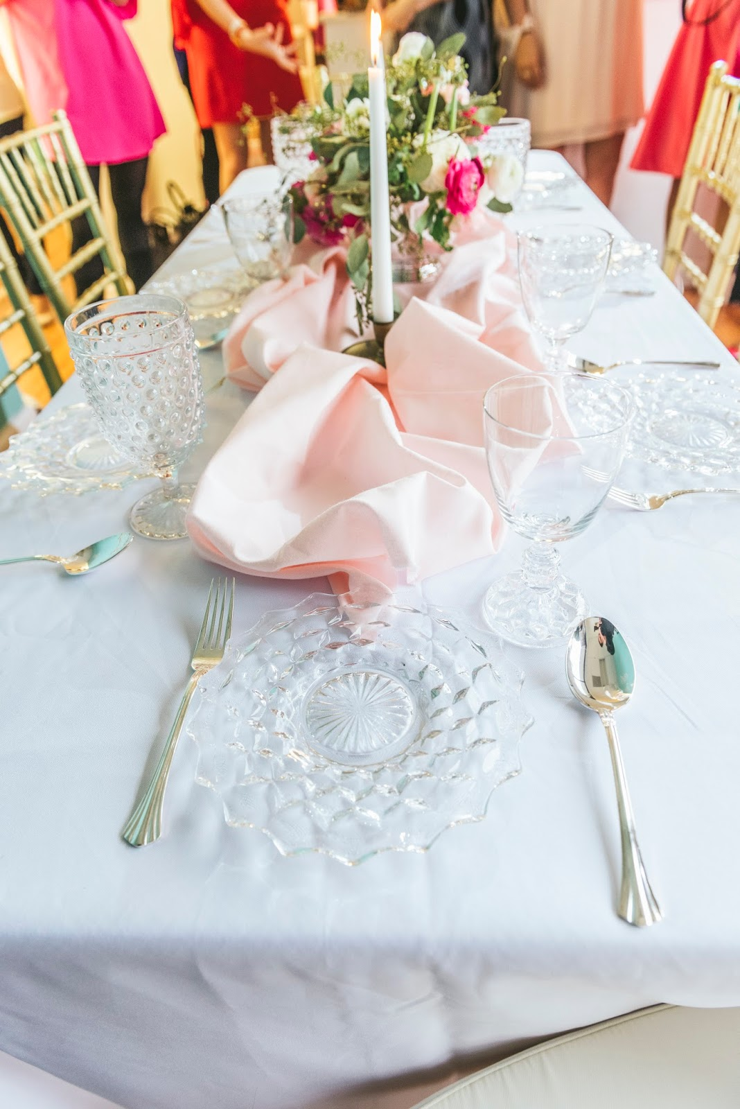 romantic-effortless-blush-and-pink-valentines-tablesettting