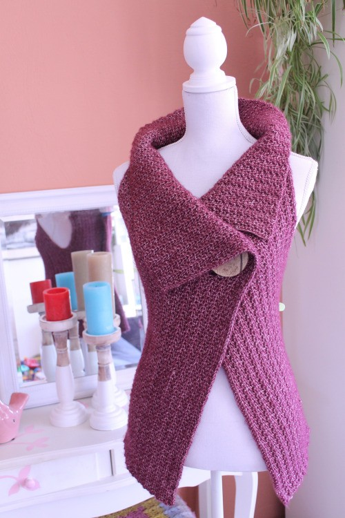 Peek-a-Boo Button Wrap (Size S-XL)  - Free Pattern