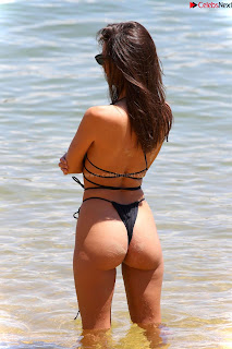 Emily-Ratajkowski-in-Black-Thong-Bikini-Beautiful-Ass-hot-pussy-celebritybooty.co-Exclusive+05.jpg