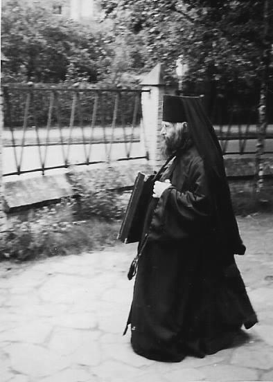 РПЦЗ: Уникальное видео служения свт. Иоанна Шанхайского и других зарубежных архиереев и священников