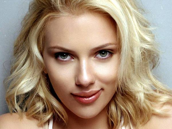 Scarlett Johansson, linda e sou apaixonado por ela
