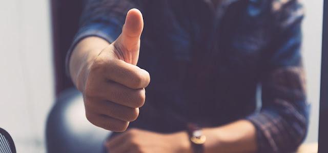 22 حيلة في لغة الجسد ستجعلك محبوبا على الفور