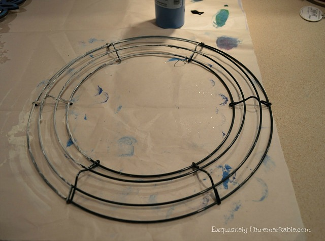 Painting A wire wreath frame