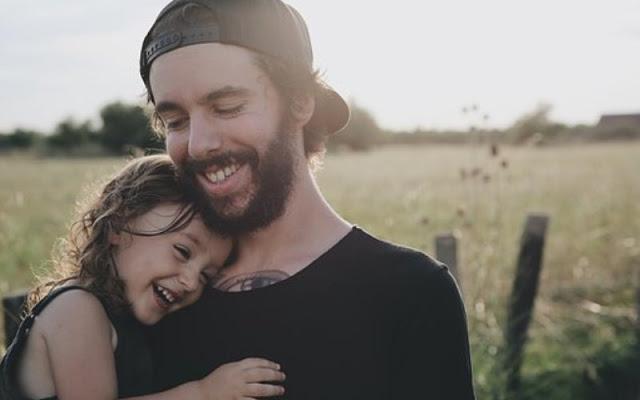 Τα 3 χαρακτηριστικά του ιδανικού πατέρα κατά την άποψη των μαμάδων
