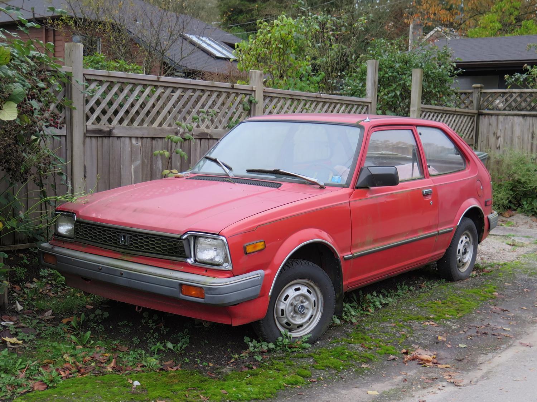 Old Parked Cars Vancouver: 1982 Honda Civic Hatchback