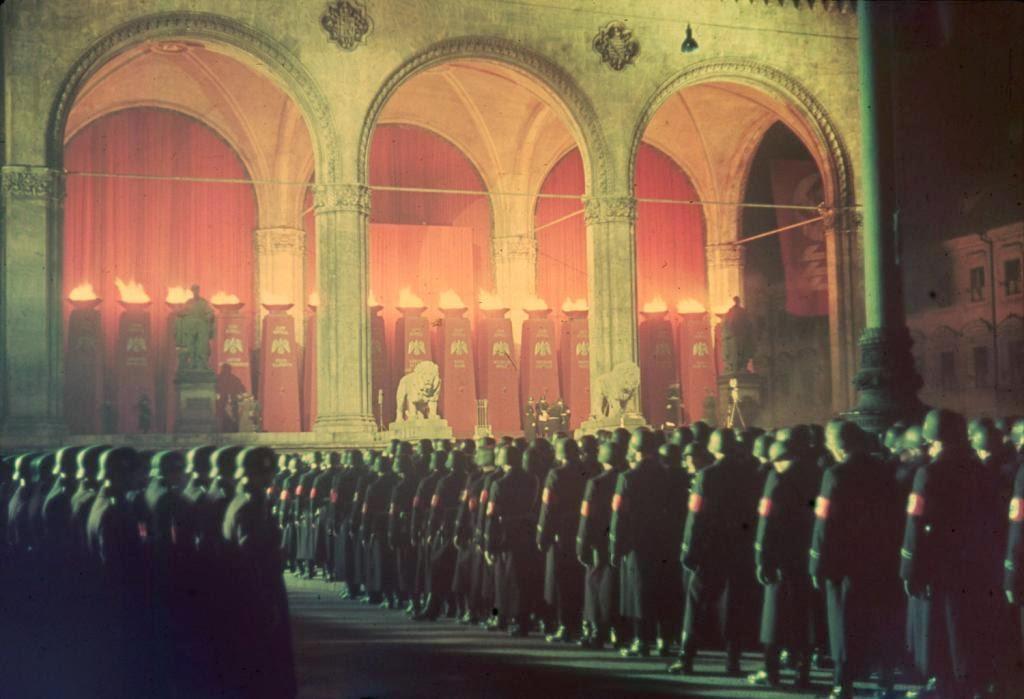 Juramento de lealtad de tropas de la SS nazi, Feldherrnhalle, Munich, 1938