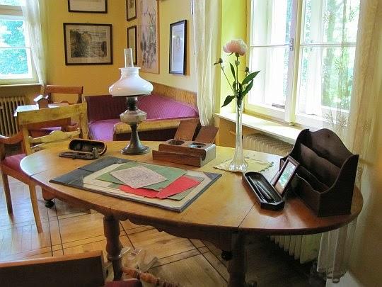 Biurko przy którym Emil Zegadłowicz stworzył większość swoich dzieł.