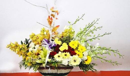 Giới thiệu những mẫu hoa giả trang trí văn phòng ấn tượng