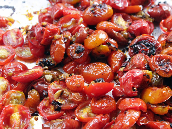 Tastes like candy, but easier on your hips (Garlicky Roasted Cherry Tomatoes)