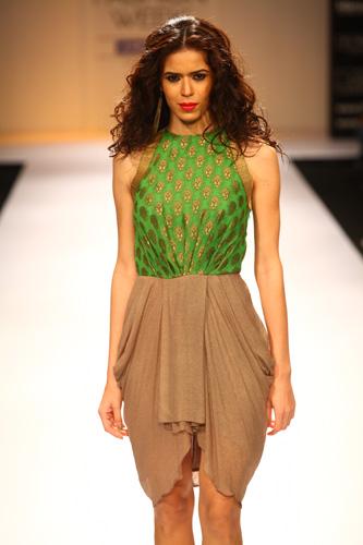 Scarlet Bindi - South Asian Fashion and Travel Blog by Neha