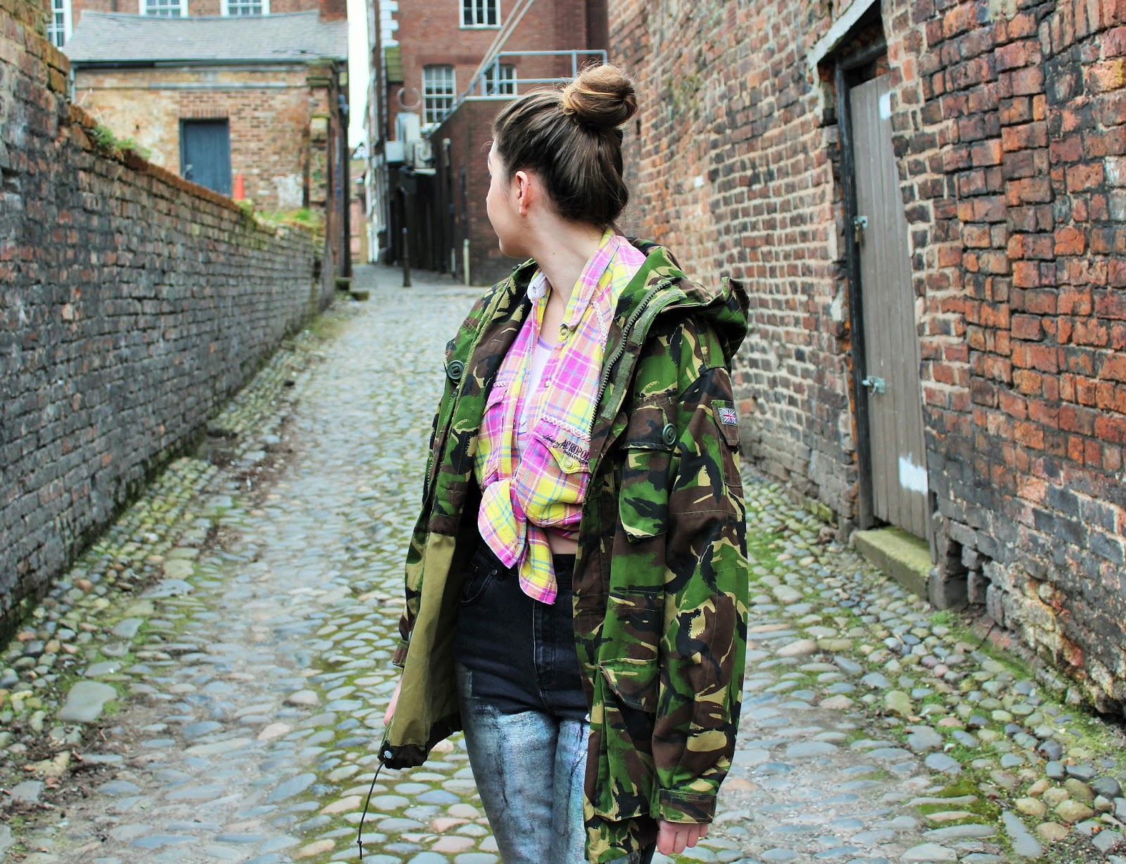5e8e62e376b902 Plaid shirt - Vintage (Depop) Camo jacket - Vintage (Depop) Crop top  -  Yoins Metallic mom jeans - The Ragged Priest Some people would cringe at  the thought ...