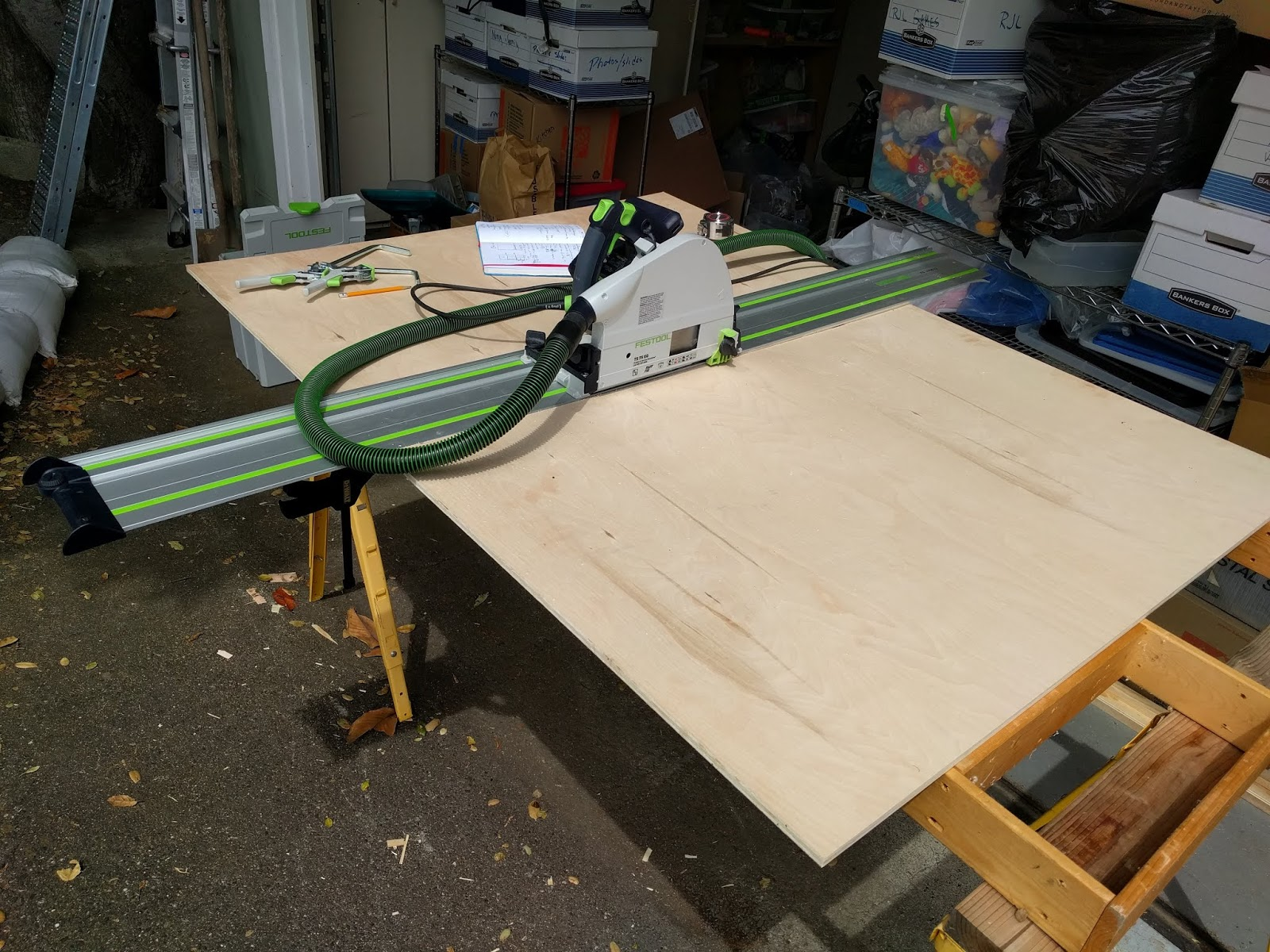 Microcarpentry: The Makita Cordless Track Saw