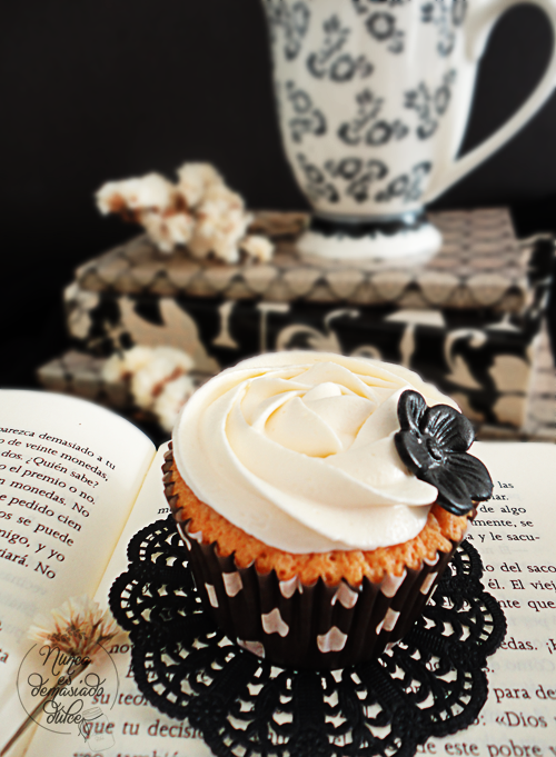 cupcake-cupcakes-chocolate-blanco-white