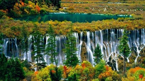 Panaroma Keindahan Alami Air Terjun Madakaripura