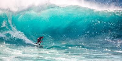पुर्तगाल में सर्फिंग या लहरबाज़ी