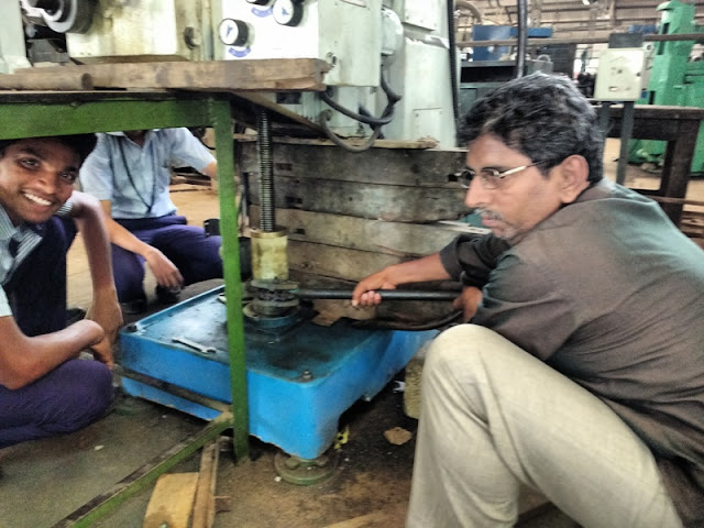 MECH MAINTENANCE MILLING MACHINE BREAKDOWN WORK GITI TRICHY