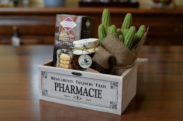salon des fleurs regalo gift jam biscuits cactus