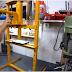 طريقة صنع مكبس هيدروليكي  DIY  Hydraulic press
