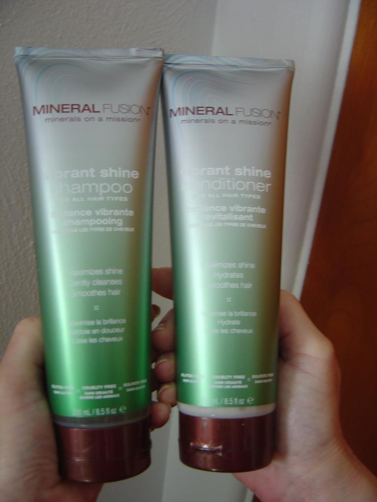 Mineral Fusion Vibrant Shine Shampoo and Conditioner