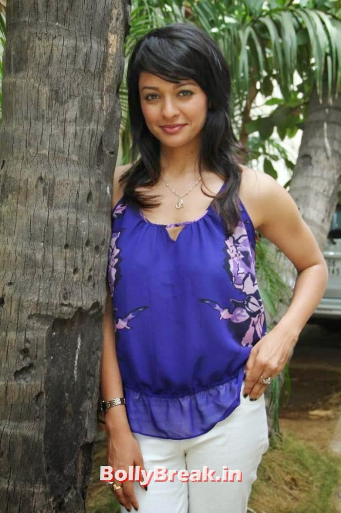 Pooja Kumar images, Pooja Kumar Latest hot photoshoot images in dress without sleeves