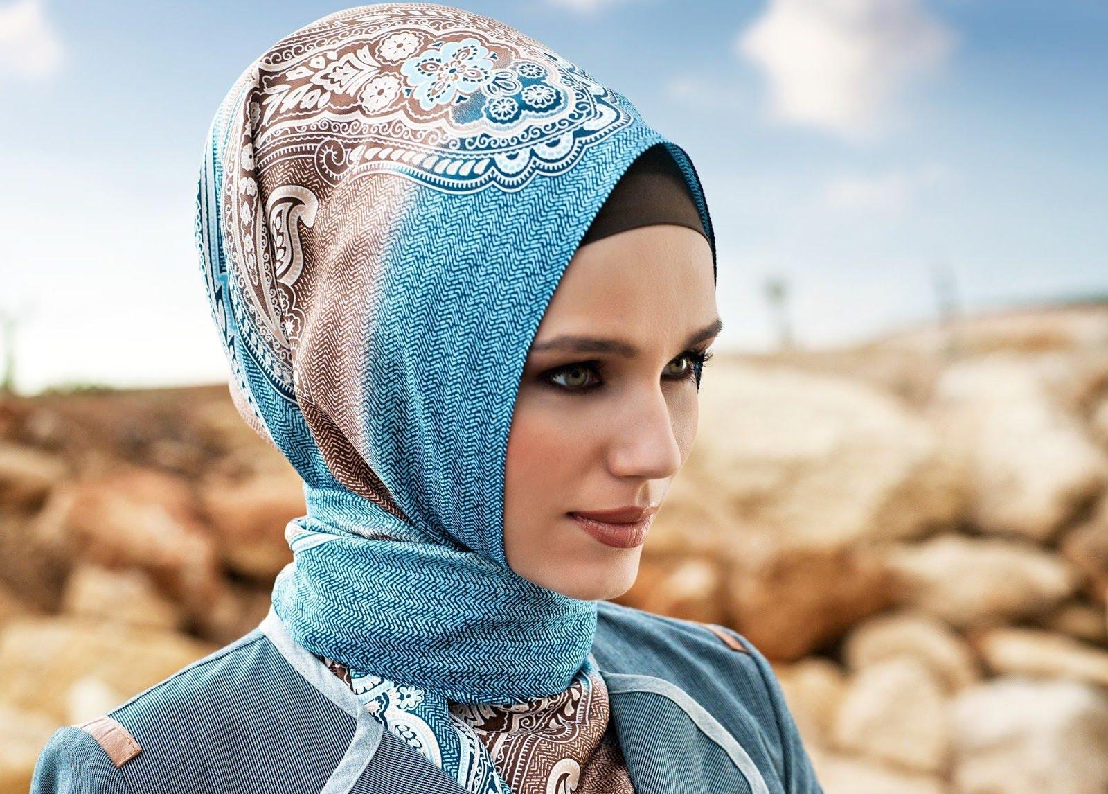 Gaya jilbab Turki adalah gaya terbaik untuk bentuk wajah ini 5cc78fc44d