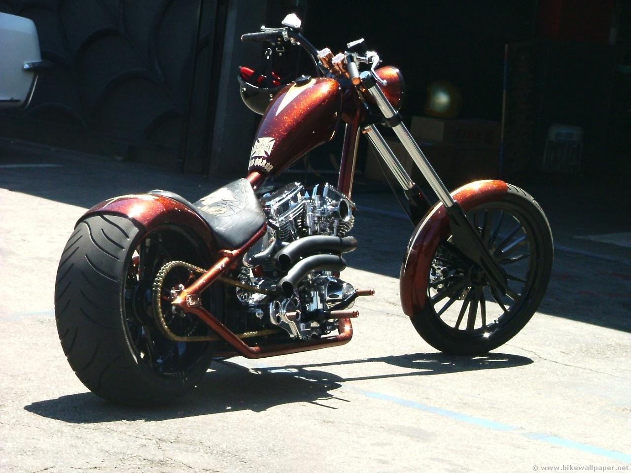 Motorcycle Custom: Men's Dreams