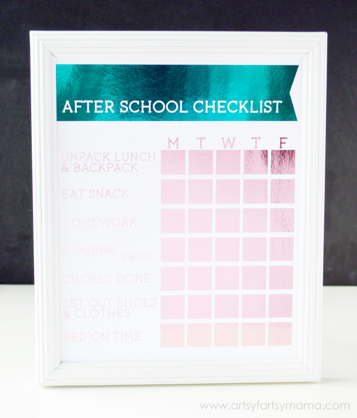 Free Printable After School Checklist at artsyfartsymama.com #HSMinc #FoilAlltheThings