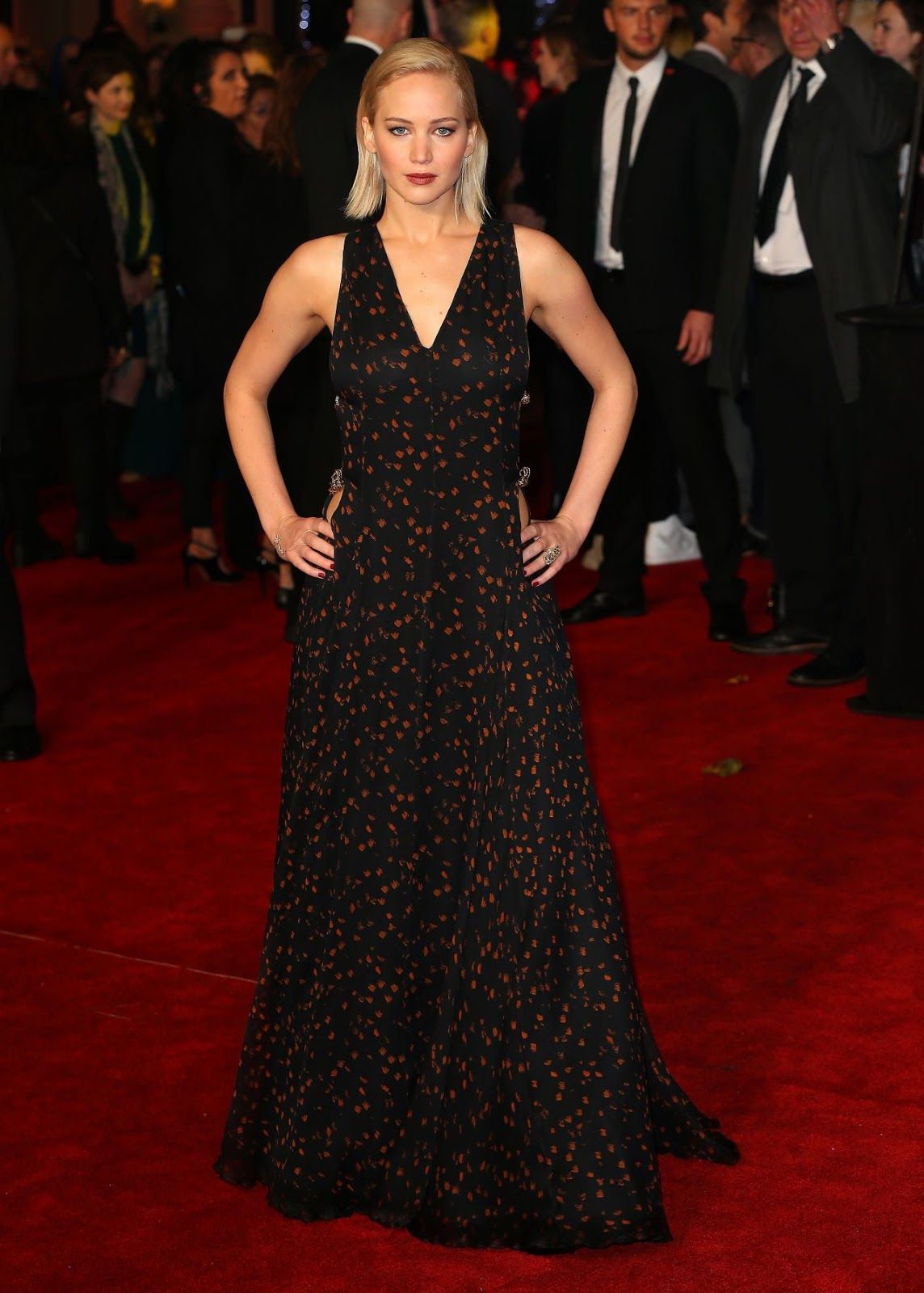 Jennifer Lawrence on Red Carpet – The Hunger Games Mockingjay Part 2 Premiere in London