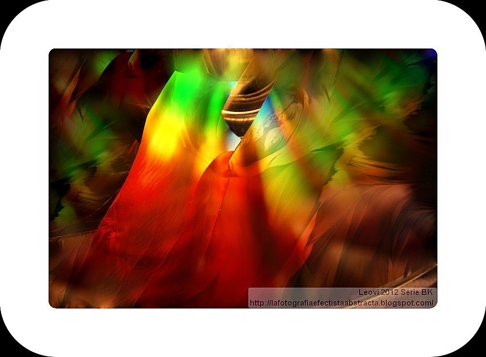 Foto Abstracta 3174  La luz de tus Secretos me mantiene vivo - The light of your Secrets keeps me alive