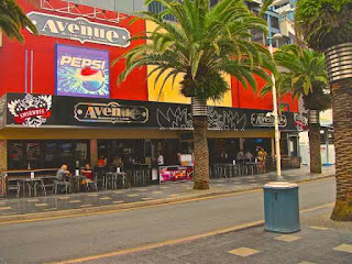 The Avenue  Restaurant and Saloon Surfers Paradise 2010 Photo