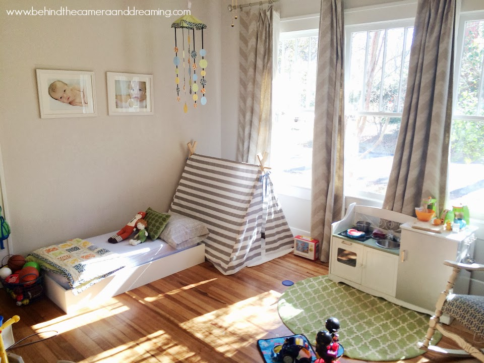 Behind the Camera and Dreaming: DIY Toddler Bed