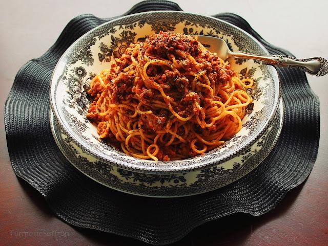 Iranian Macaroni (Spaghetti) with Meat Sauce
