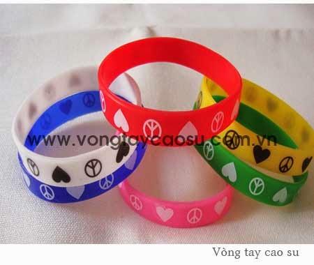 Cơ sở sản xuất vòng tay cao su, vòng đeo tay trẻ em